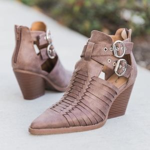 Shoes - PETYON Buckle Bootie